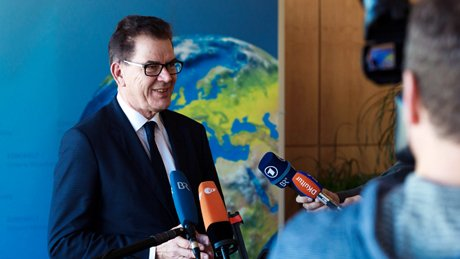 Federal Minister for Economic Cooperation and Development Gerd Müller presents the Marshall Plan with Africa in Berlin. <br/>Photo: BMZ, Michael Gottschalk/phototek.net