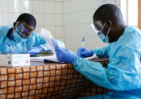 Doctors working at Connaught Hospital, Freetown, Sierra Leone. This Hospital was on the frontline of the Ebola epidemic.<br/>Photo: © Simon Davis/DFID